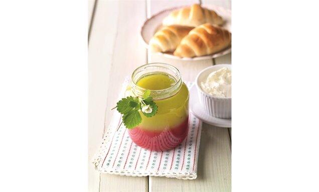 Dvoubarevný jahodovo-angreštový džem